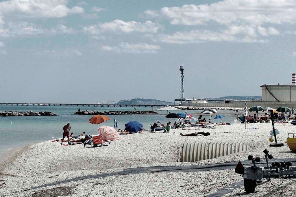 Vacation I_1 (2011)